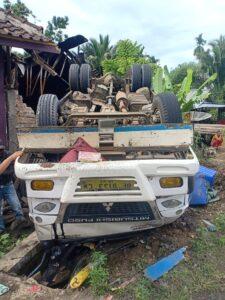 Truk Bermuatan Udang Vename Terguling Di Jalinbar Tanggamus.