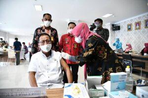 Ketua DPRD Lampung, Mingrum Gumay: Jangan Ragu dan Takut Vaksin Covid-19